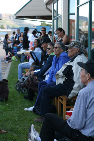 People from Sandy Lake First Nation enjoying the fellowship and food in Thunder Bay during evacuation.