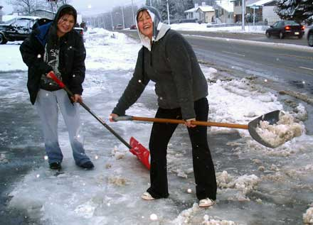 Snow clearing throughout the winter - Be more health aware!