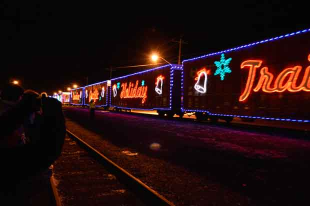 CP-Holiday-Train-2012-Thunder-Bay-5
