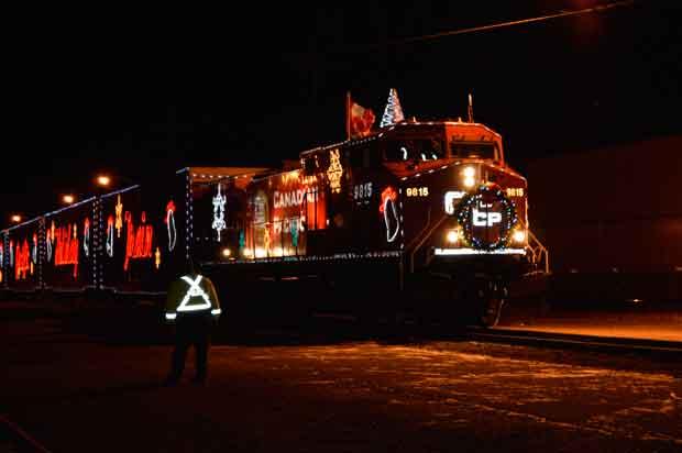 CP-Holiday-Train---Thunder-Bay-2012