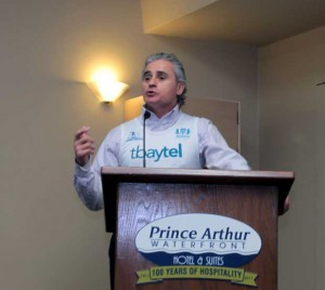 Bill Mauro speaking at Prince Arthur Hotel during press conference - photo Lynda Henshell