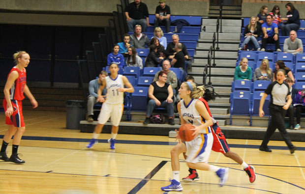Lakehead Thunderwolves Women's Team fell to the Brock Badgers Photo by Quinn Spyrka