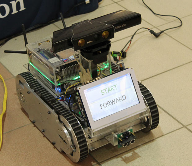Voice Controlled robot at Intercity part of the Lakehead University Research week display