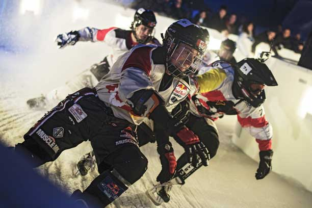 Red Bull Crashed Ice &#8211; Topsy-turvy Team Competition battle