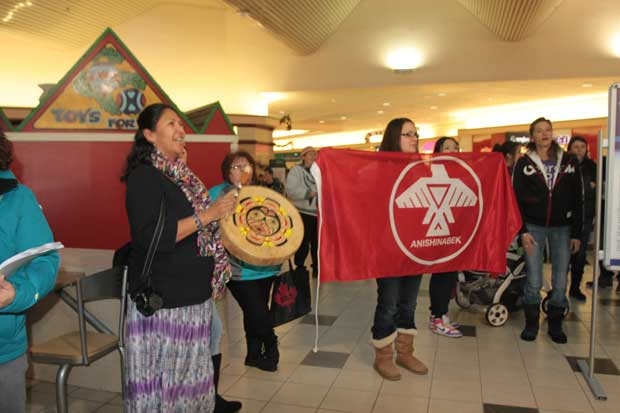 Idle No More takes message to Intercity Mall in Thunder Bay