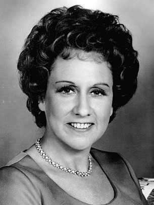 Jean Stapleton Dead at 90