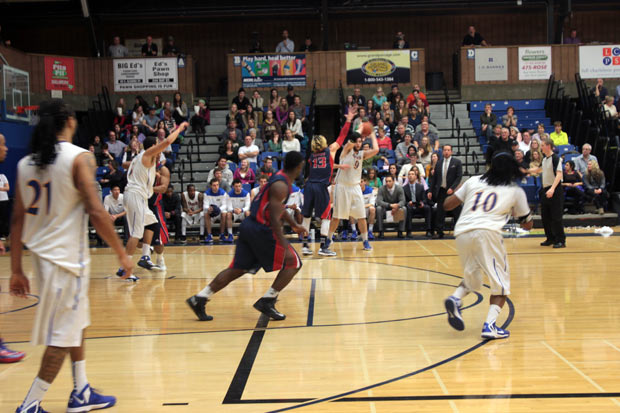 Thunderwolves Basketball Preview Focus on Playoffs