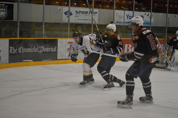 North Stars taking on Dryden Ice Dogs – SIJHL Action