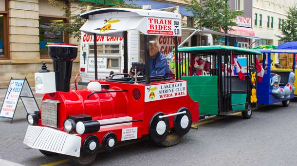 The ever popular Shiner's train - Photo by James Murray