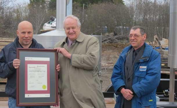 From left to right: Richard Gunn, President, Envana Energy; Alan Johnston, President, Measurement Canada, Ottawa; Bruno Allard, Measurement Canada, Thunder Bay.