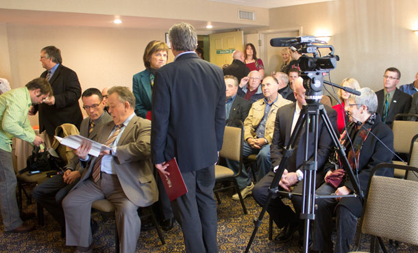 It was a full house in Thunder Bay - local leaders, and media crowd the Airlane Hotel room for the media conference