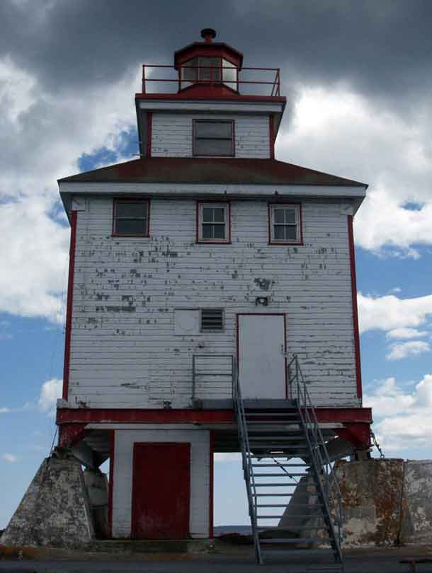 Thunder Bay Light House - Photo by Hubert Den Draak
