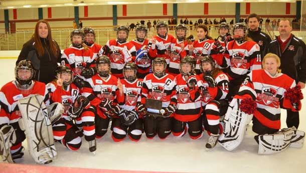 Thunder Bay Queens are ranking atop the Canadian teams in women's hockey