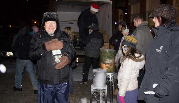 One donation at a time over 1100 kg of food was donated tonight.