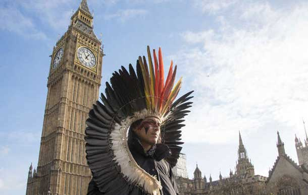 Nixiwaka Yawanawá, an Amazon Indian in London, has described London as a city 'rich in history and filled with ghosts'. © Helen Saunders/Survival