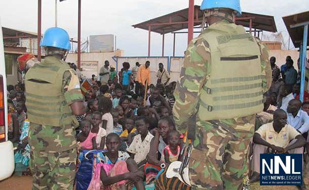 Fleeing ongoing violence, civilians seek shelter at UNMISS compound. UNMISS/Rolla Hinedi