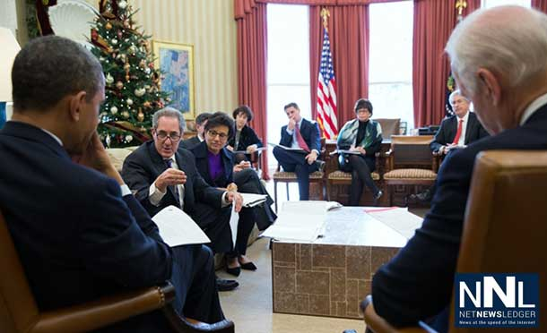 President Barack Obama and Vice President Joe Biden meet with U.S. Trade Representative Mike Froman and Commerce Secretary Penny Pritzker in the Oval Office, Dec. 16, 2013. (Official White House Photo by Pete Souza)
