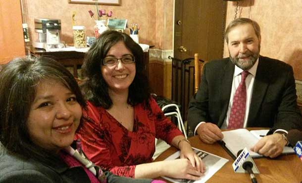 Alaina King, Community Action Group, Poverty Free Thunder Bay Chair Terri-Lynne Carter and Tom Mulcair in Thunder Bay