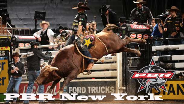 Fabiano Vieira conquers Messy Mossy for 88.25-points Friday night. Photo by: Andy Watson / BullStockMedia.com.