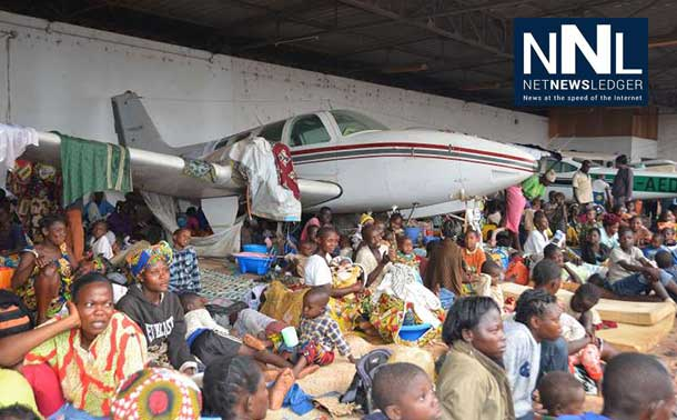 Displaced families in the Central African Republic (CAR) seek shelter at the Bangui airport fearing further attacks. Photo: UNHCR/L. Wiseberg