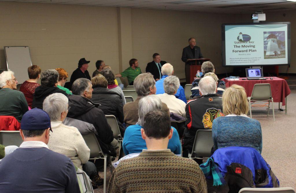 Terrace Bay Mayor Jody Davis presents the plan to community members.