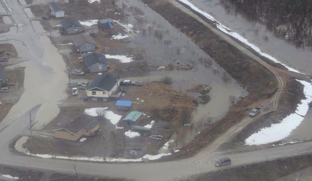 Flooding in Kashechewan - Photo by Enoch Williams.
