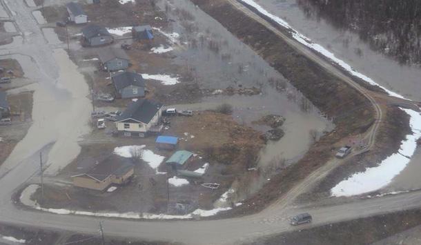 Flooding in Kashechewan - Photo by Enoch Williams.