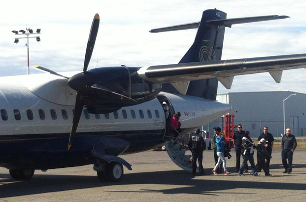 Residents from Kashechewan arriving at Thunder Bay International Airport. Photo by TBIAA.