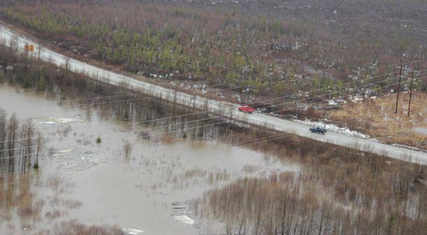 `Roadway flooding in Kashechewan