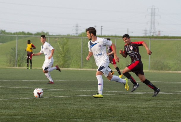 The Thunder Bay Chill headed home from Winnipeg Sunday with a split in their games against WSA Winnipeg