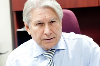 Ken Boshcoff is seeking to retake the Mayor's Chair in Thunder Bay
