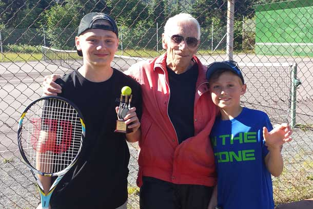 The weather co-operated and the Tennis Camp continued at Camp Quality