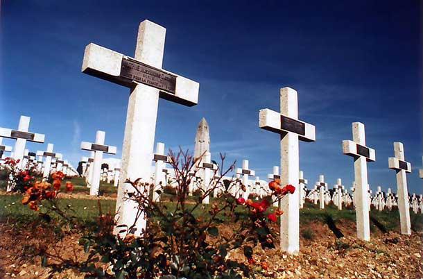 War Cemetary at Verdun - Image Wikipedia