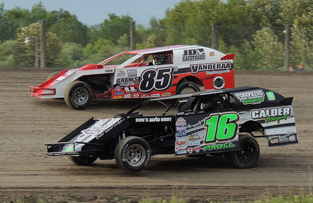 #85D Jeff Davis and #16 Gavin Paull during hot laps.