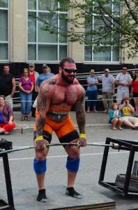 Kyle Rainer in the deadlift