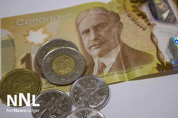 "Ontario's ""Joe Debtor"" has too much month left at the end of the money."
