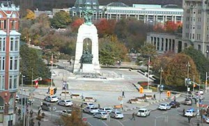 There is a heavy police response at the National War Memorial in Ottawa
