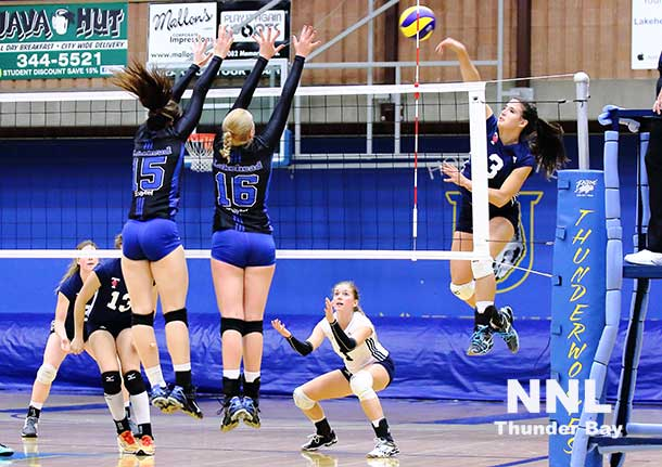 Lakehead Thunderwolves Women's Volleyball - Photo by Guy Gascoigne