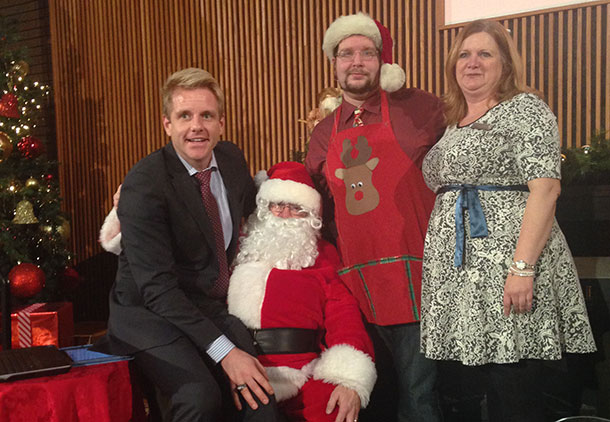 Michael Nitz (United Way Campaign Chair and Leaders of the Way Committee Member), Santa Claus, Thomas McDonald (Wellness & Diversity, SUCCI) and Dana Levanto (Manager, Fundraising and Alumni, Confederation College).