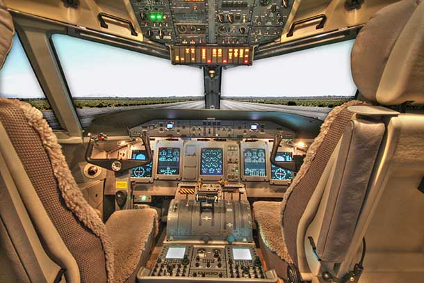 Q400 Next Generation Bombardier Aircraft flight deck