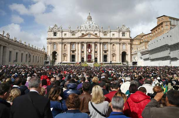 Crowds gather in St. Peters Square for the Pope's Christmas message