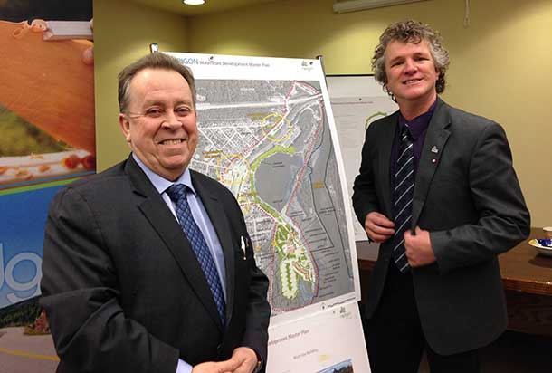 Minister Michael Gravelle with Mayor Richard Harvey