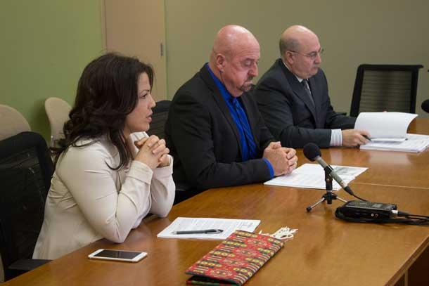 FWFN Chief Georjann Morriseau, Mayor Keith Hobbs and City Manager Tim Commisso