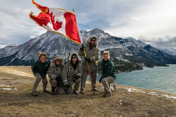 At Waterton Lakes National Park, the wind is so strong that the Canadian flag slaps while floating! Photo: Parks Canada)