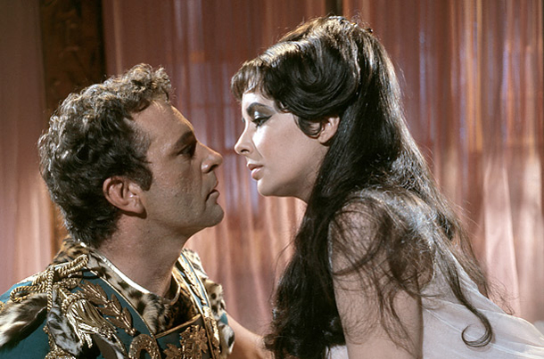 Liz Taylor and Richard Burton had a long relationship both on screen and off-screen