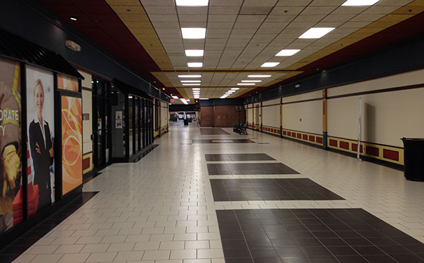 A look down the walkway at Victoriaville, quiet isn't even close to describing it.