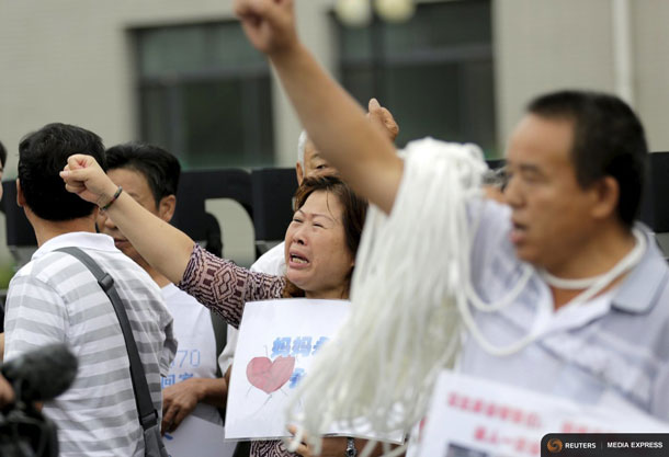 MH370 Families protesting in Beijing