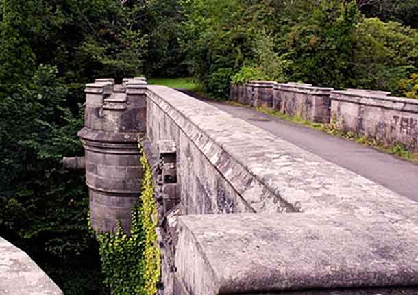 Overtoun Bridge. Photo: Wikimedia Commons.