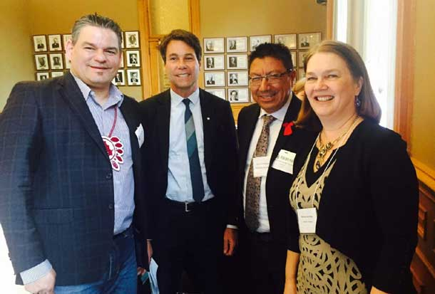 Ontario Regional Chief Isadore Day and Nishnawbe Aski Nation Grand Chief Alvin Fiddler and other First Nation leaders met with Federal Minister of Health Jane Philpott and Provincial Minister of Health and Long Term Care Dr. Eric Hoskins in Queens Park March 31 on the state of First Nations Health.