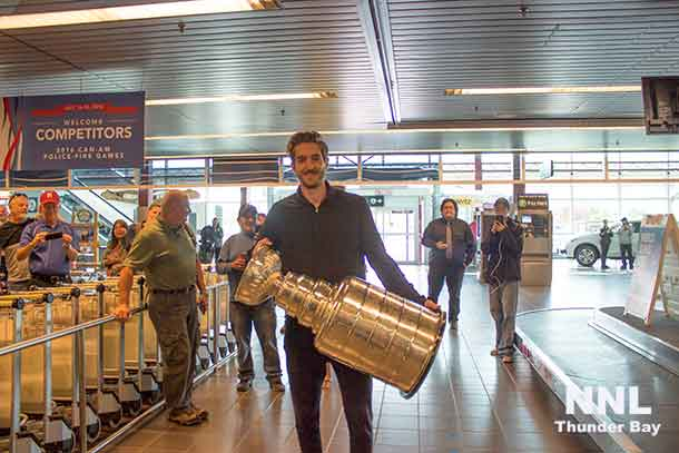 Matt Murray with the Stanley Cup at Thunder Bay International Airport